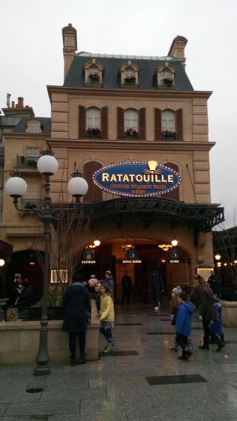 Ratatouille - L'Aventure Totalement Toquée de Rémy  - Page 36 Img_2030
