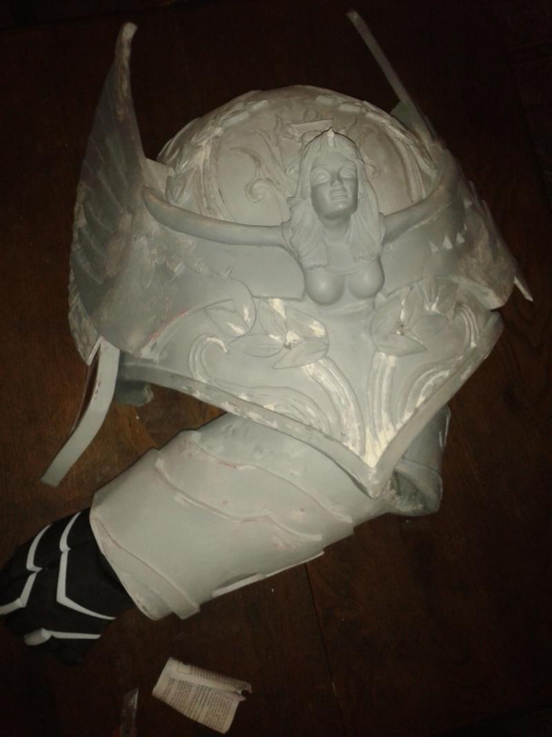 création : l'armure de l'Empereur en taille réelle - Page 4 2011-030