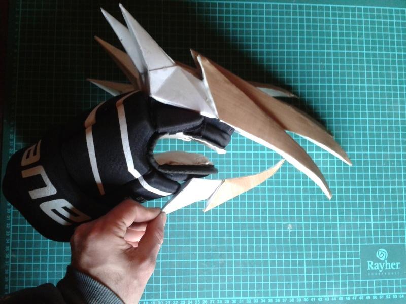 création : l'armure de l'Empereur en taille réelle - Page 4 2011-035