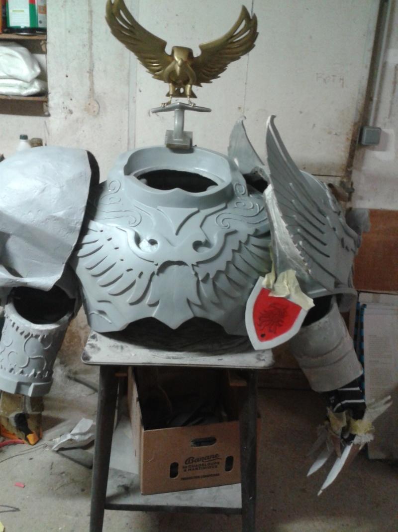 création : l'armure de l'Empereur en taille réelle - Page 4 2011-039