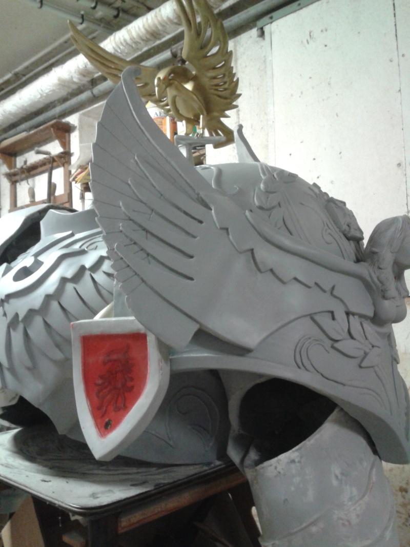 création : l'armure de l'Empereur en taille réelle - Page 4 2011-041