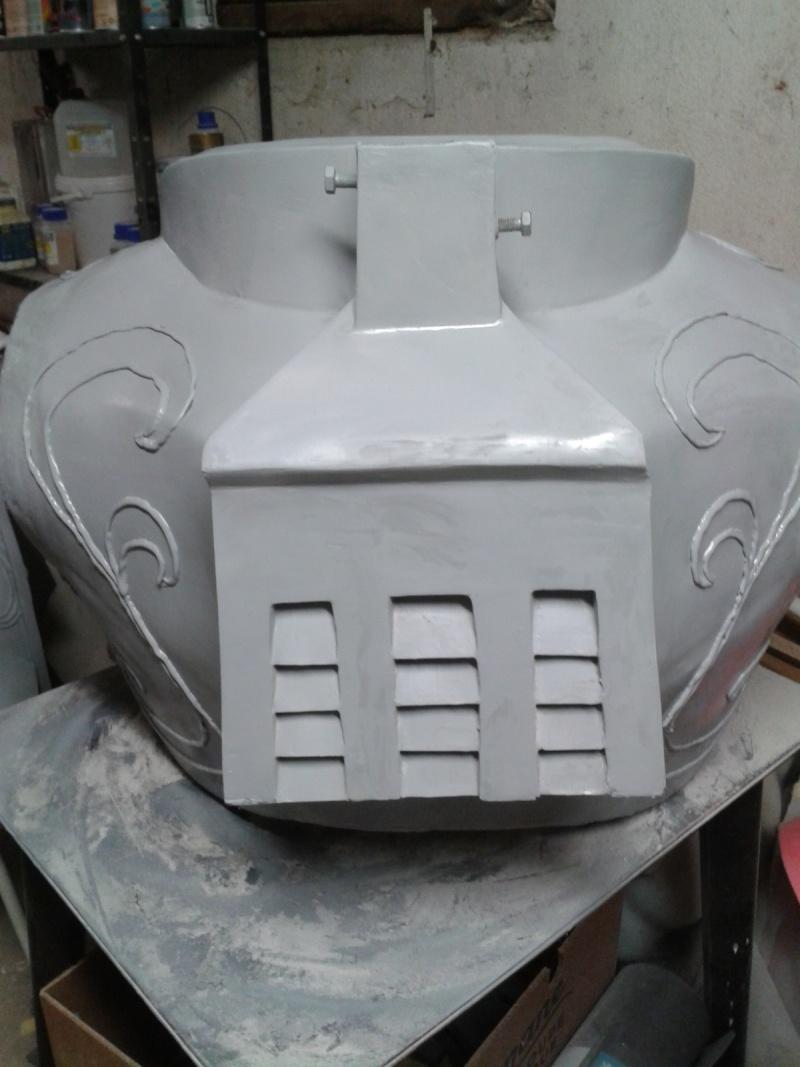 création : l'armure de l'Empereur en taille réelle - Page 4 2011-045