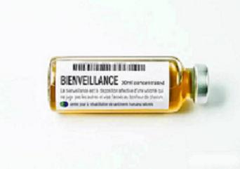 Valerio Loi : médicaments symboliques d'un monde meilleur   Home_b11