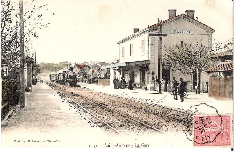 Sémaphores situés au droit des abords du bâtiment des voyageurs Saint-10