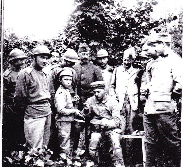Les enfants dans l'armée. Brigad11