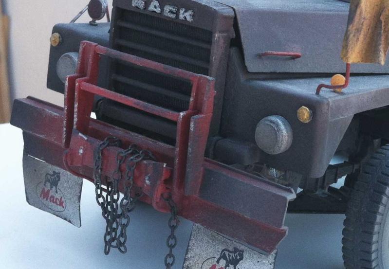 Mack DM 800 AMT/Ertl  Ausführung Costa Rica mit Trailer 1:24 / 25 Mack8016