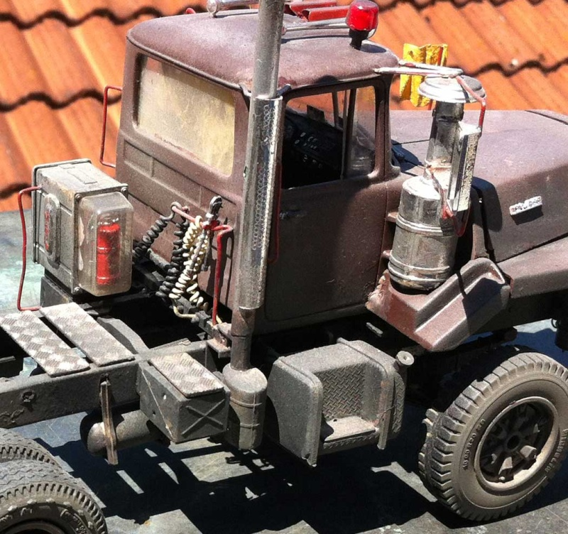 Mack DM 800 AMT/Ertl  Ausführung Costa Rica mit Trailer 1:24 / 25 Mack8018
