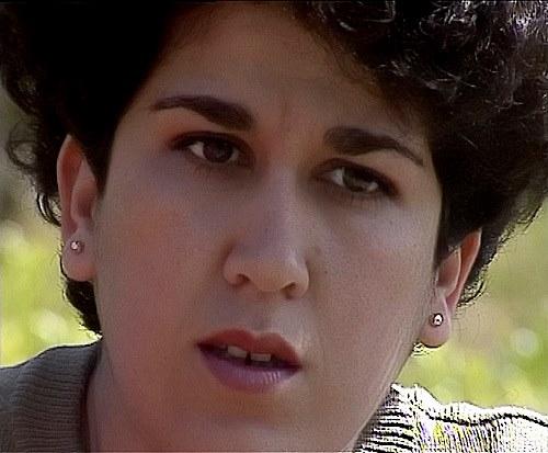 Une pensée à Nabila Djahnine ! Une militante féministe lâchement assassinée par les terroristes ! Nabila10