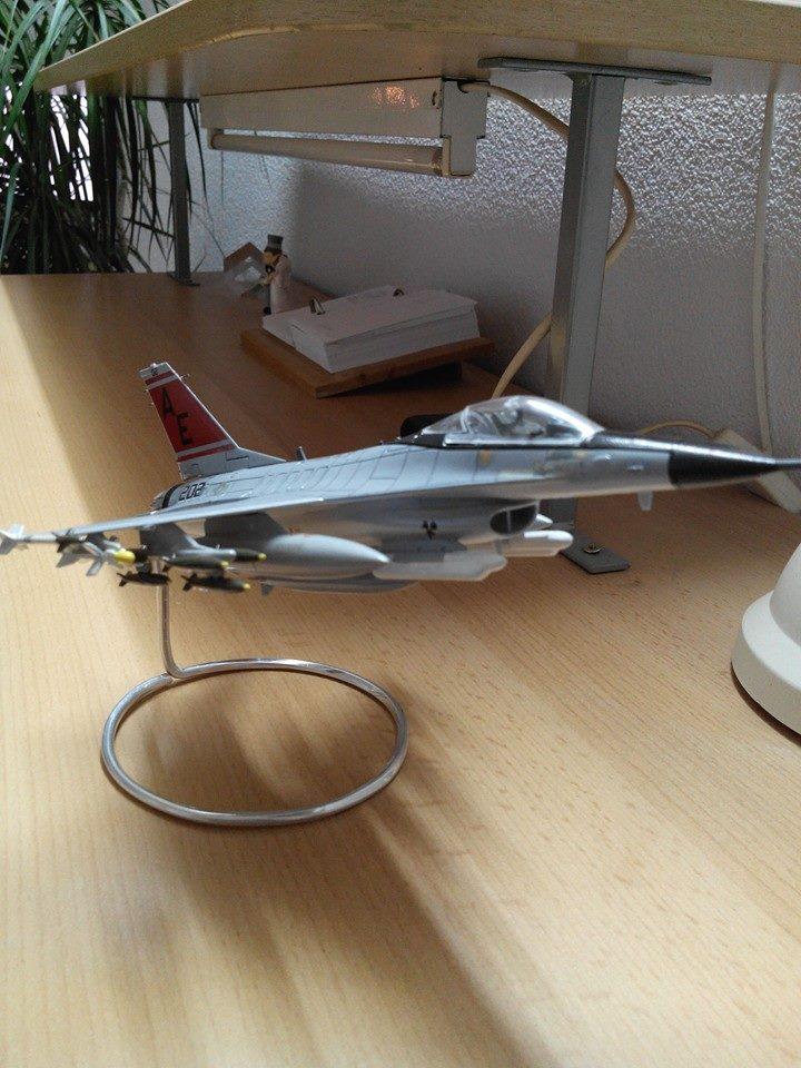 F16.revell 1/72. 10136111