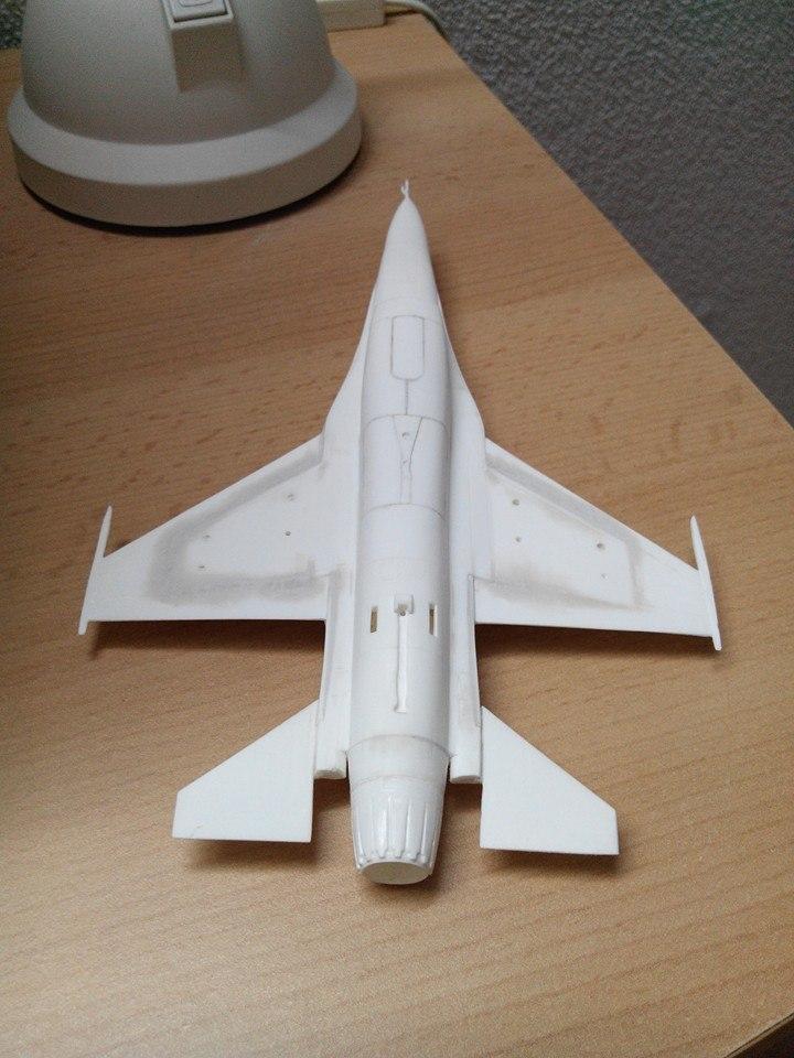 F16.revell 1/72. 10933914