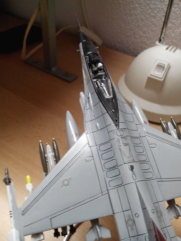 F16.revell 1/72. 10947110