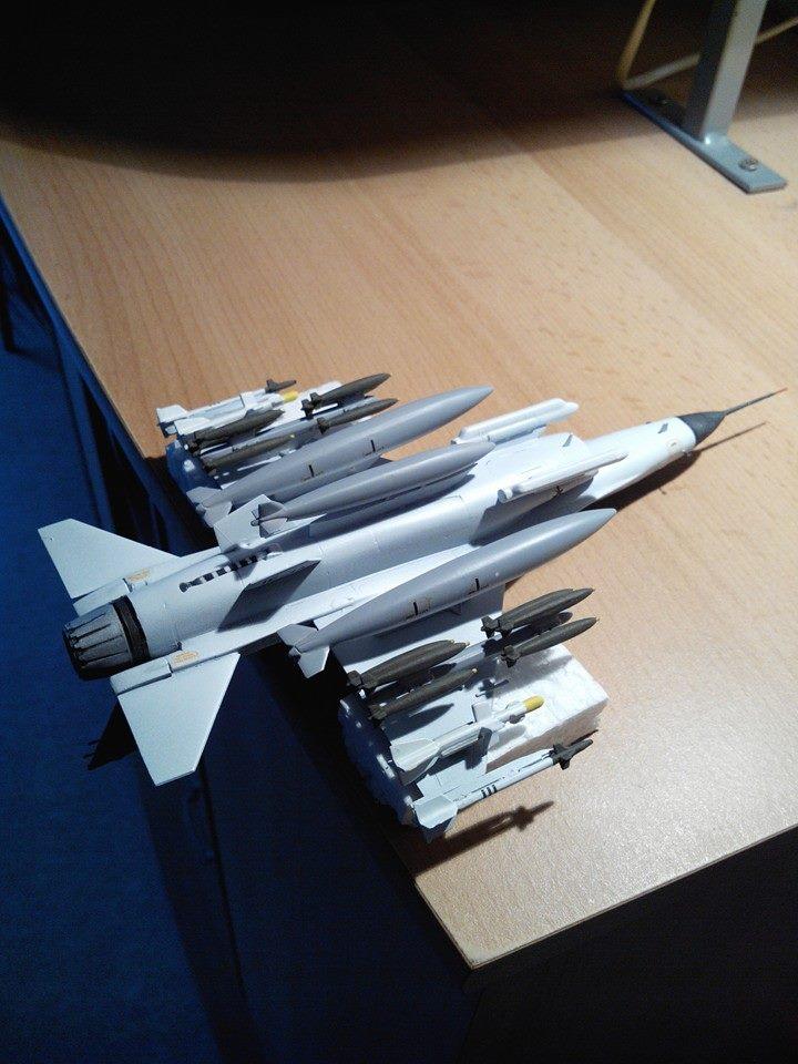 F16.revell 1/72. 16108710