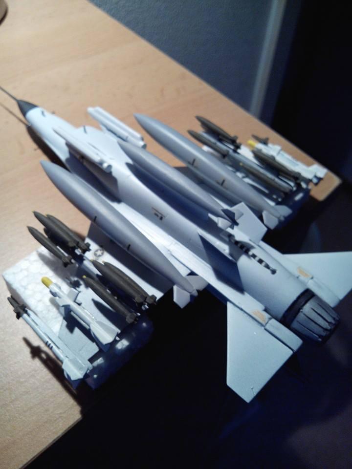 F16.revell 1/72. 19709210