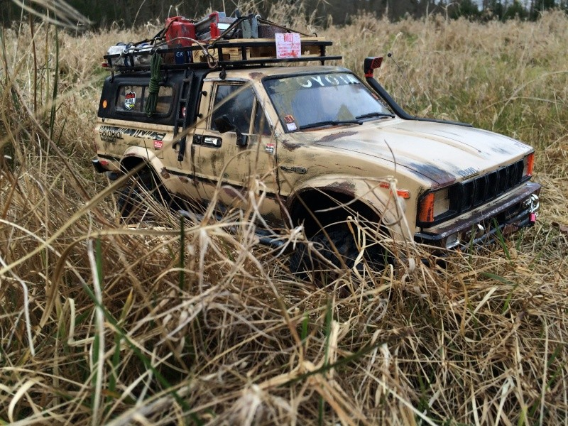 [Rafale-57] Toyota Hilux scale Img_4011