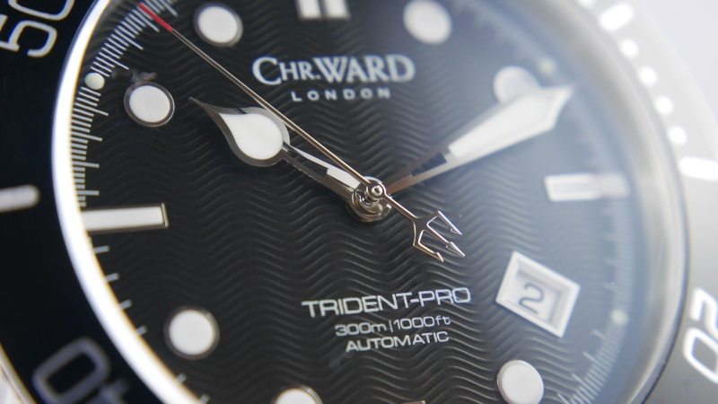 ward - Christopher Ward C60/61 Trident indisponible ? P1010611