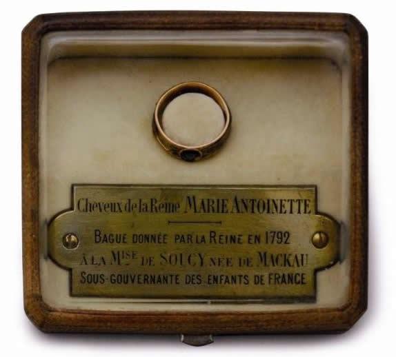 Les cheveux de Marie-Antoinette 18510