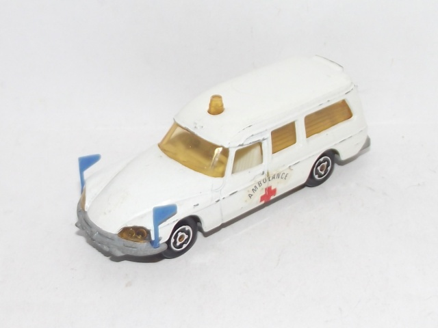 N°206 CITROËN DS AMBULANCE  206_ci10