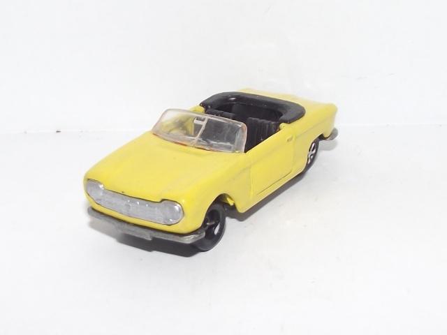 N°230 Peugeot 204 cabriolet 230_pe11