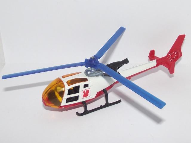 N°371 Hélicoptère Gazelle Dscf8310
