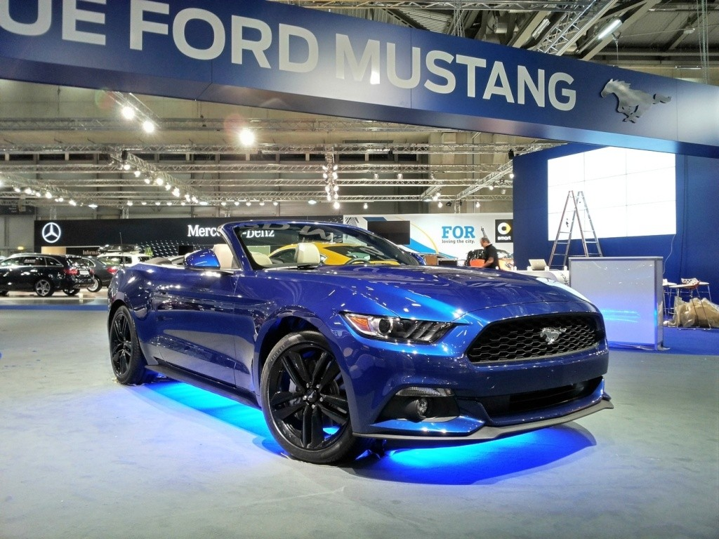 2014 - [Ford] Mustang VII - Page 11 021-vi10