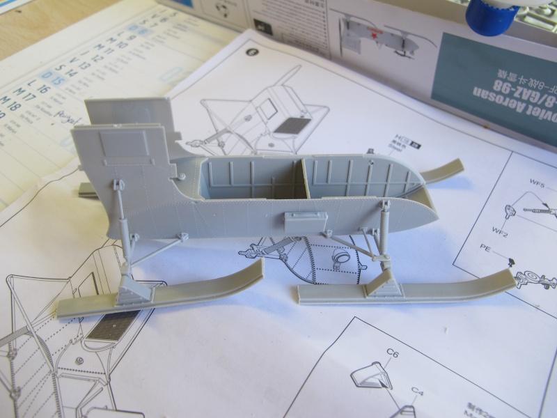AEROSAN RF-8 -TRUMPETER 02322 - 1/35 Img_6039