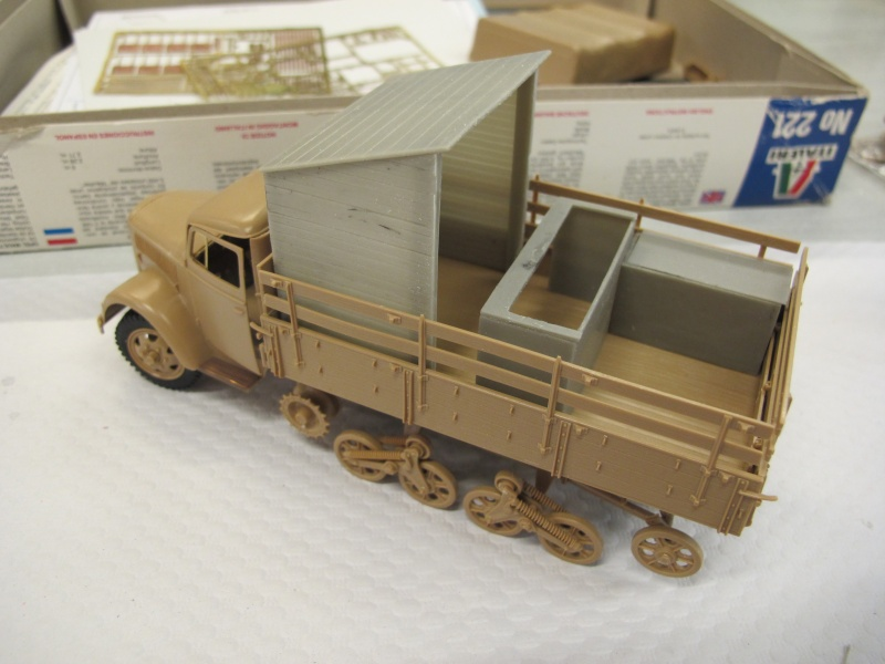 Opel Maultier - ITALERI 221 - 1/35 + conversion DNEPRO MODELS - Page 2 Img_6116