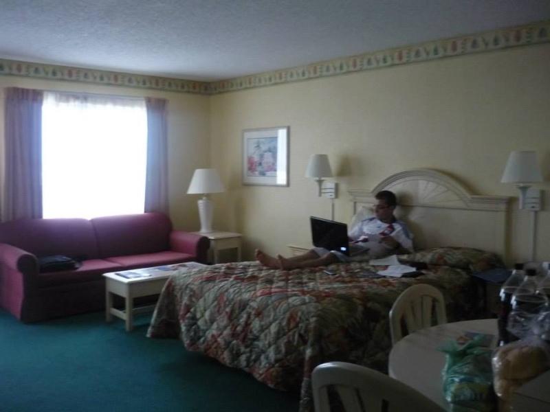 Voyage de noce à WDW puis à Orlando avec un passage a USO - Page 3 Enclav10