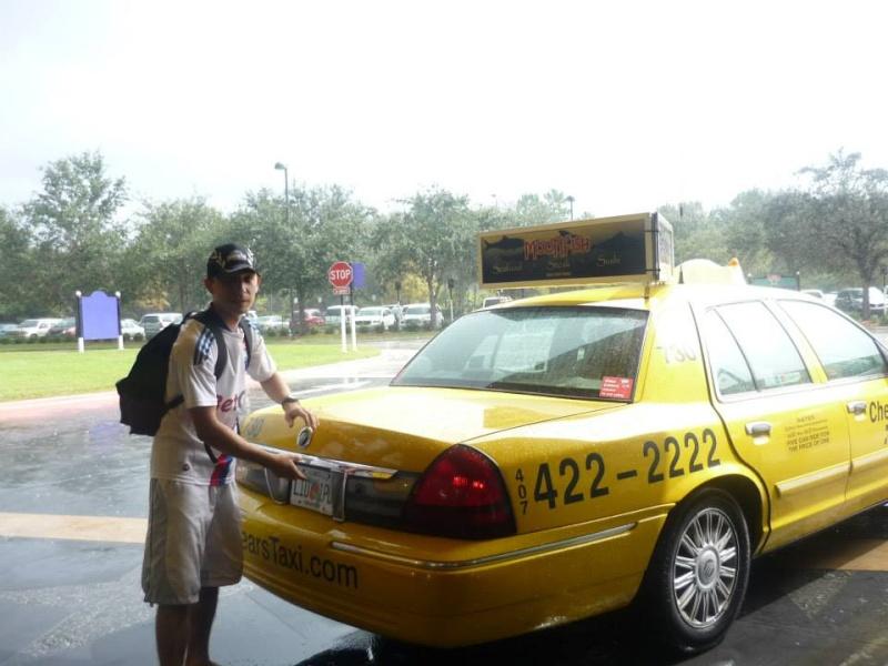 Voyage de noce à WDW puis à Orlando avec un passage a USO - Page 3 Taxi10