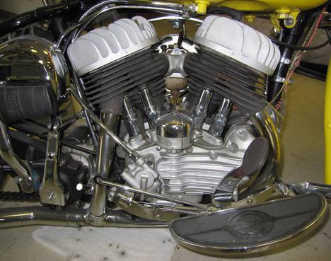 "Harley Davidson Hardtail Custom ""Cool Bob"" (Revell) [WIP] 1947_h10"