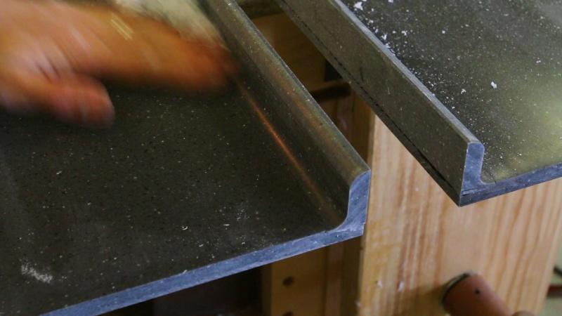 "un plan de travail en ""solid surface"" type corian Mvi_1410"