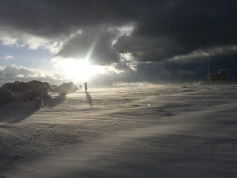 CR-Video Rando Hivernale : Au Nord du Nore - Page 6 49385612