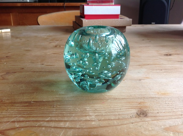 date and origon please for this glass paperweight Img_0610