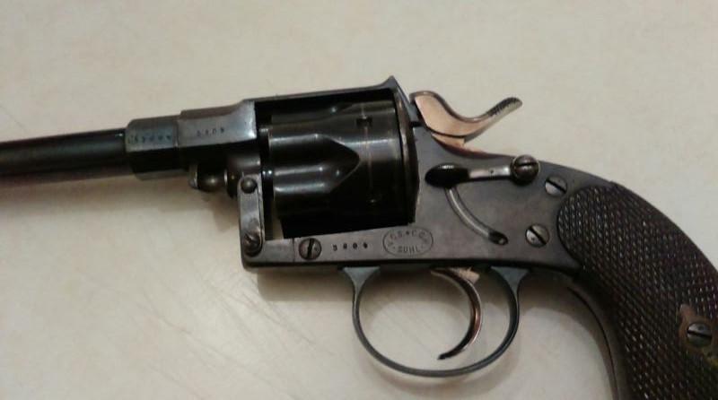 Reich revolver Teleph12