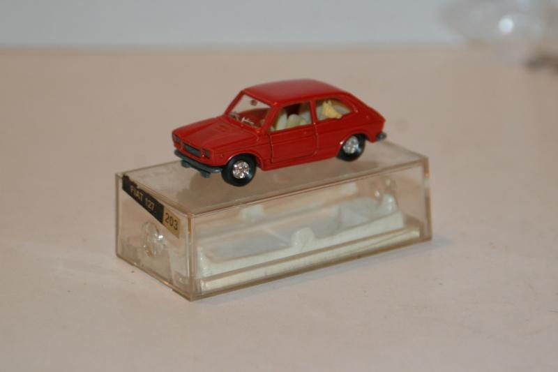 N°203 Fiat 127 00210