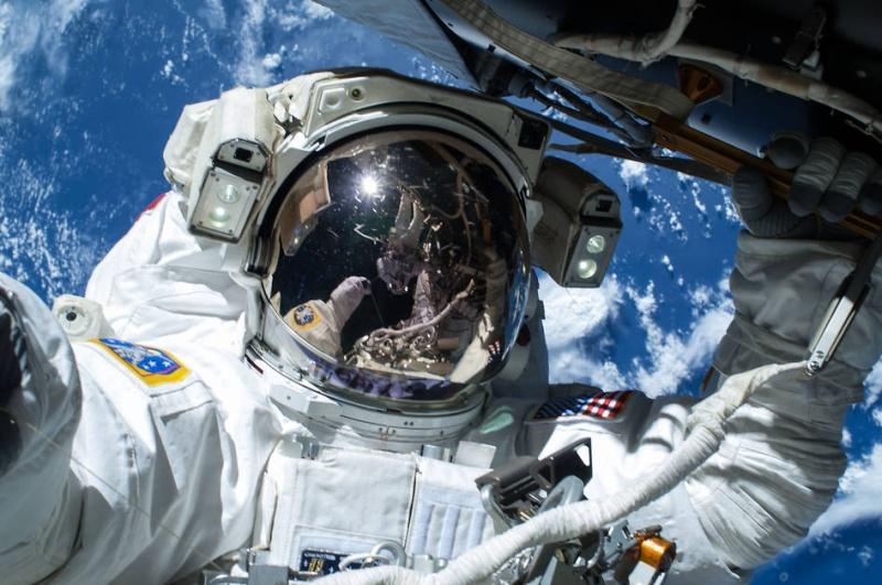 [ISS] EVA 29, 30 et 31 / 21 et 25 février - 1er mars 2015 - Page 2 191