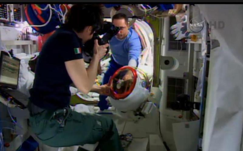 [ISS] EVA 29, 30 et 31 / 21 et 25 février - 1er mars 2015 - Page 2 B-tkrg10