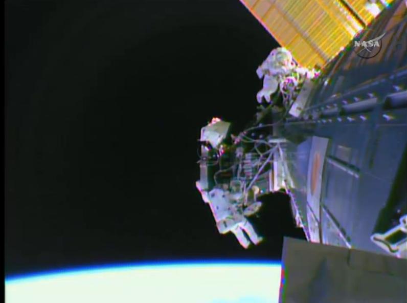 [ISS] EVA 29, 30 et 31 / 21 et 25 février - 1er mars 2015 - Page 2 Scree131