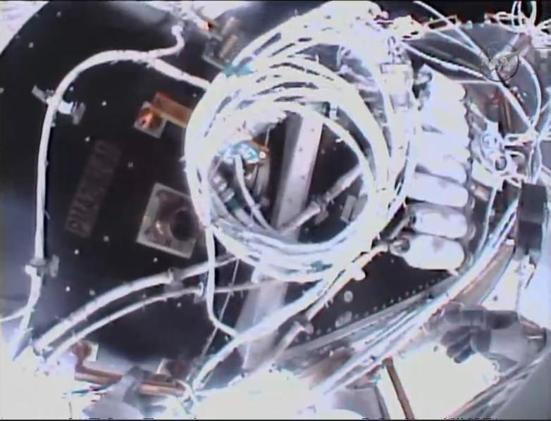 [ISS] EVA 29, 30 et 31 / 21 et 25 février - 1er mars 2015 - Page 2 Scree132