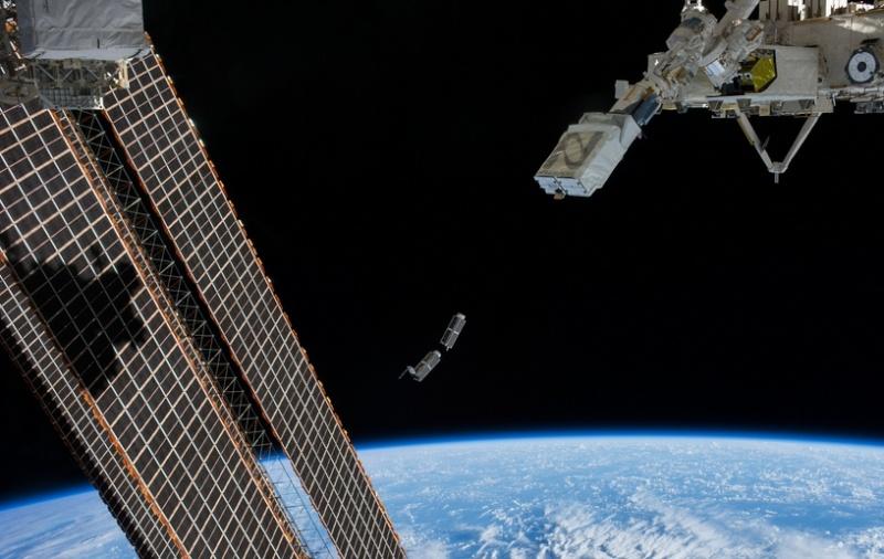AESP lancé depuis ISS Screen82