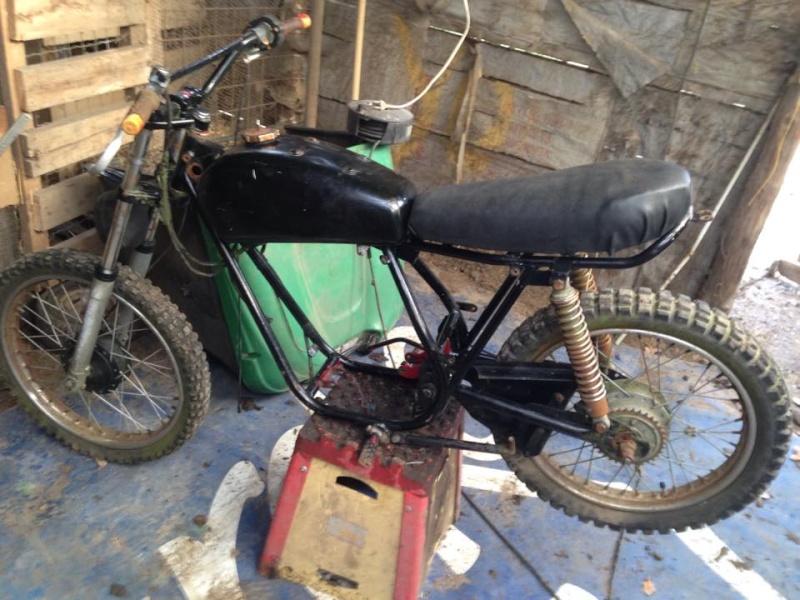 vielle bécane cross  Moto0310