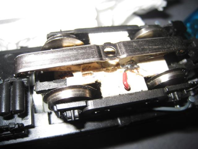 CFL 900 Roco en 3 rails, comment faire? Boggie11