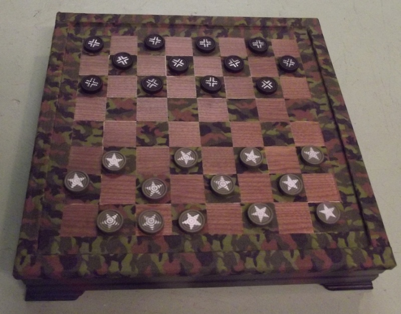 I was thinking of selling my Checkers Battle Field set Milita13