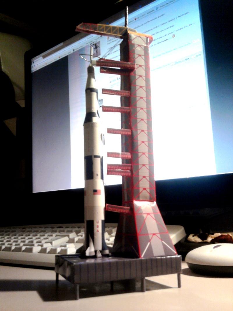 Costruisci il tuo modellino di carta della Arrow Freighter in scala 1:400! Apollo10