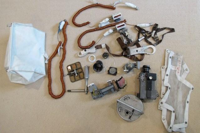 Apollo 11: ritrovata borsa dimenticata di Neil Armstrong Neil_a10