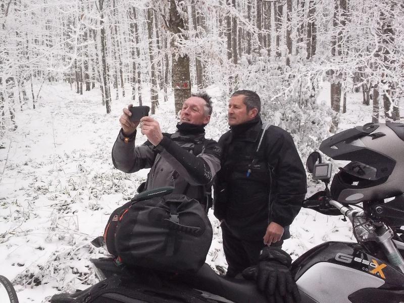 CR-Video Rando Hivernale : Au Nord du Nore - Page 8 100_0610