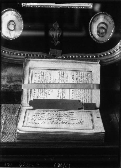 billet - Le billet du 16 octobre 1793 attribué à la reine  F1-7_h10