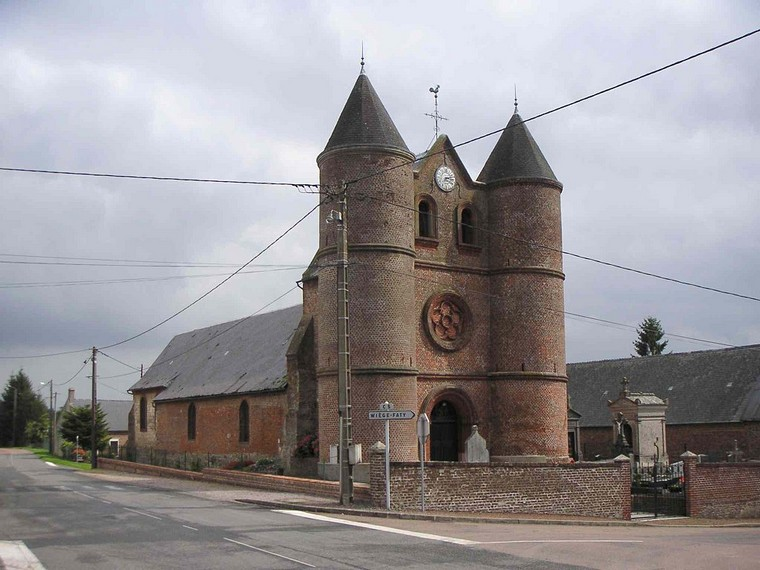 Architecture religieuse et militaire : Eglises fortifiées 000_0396