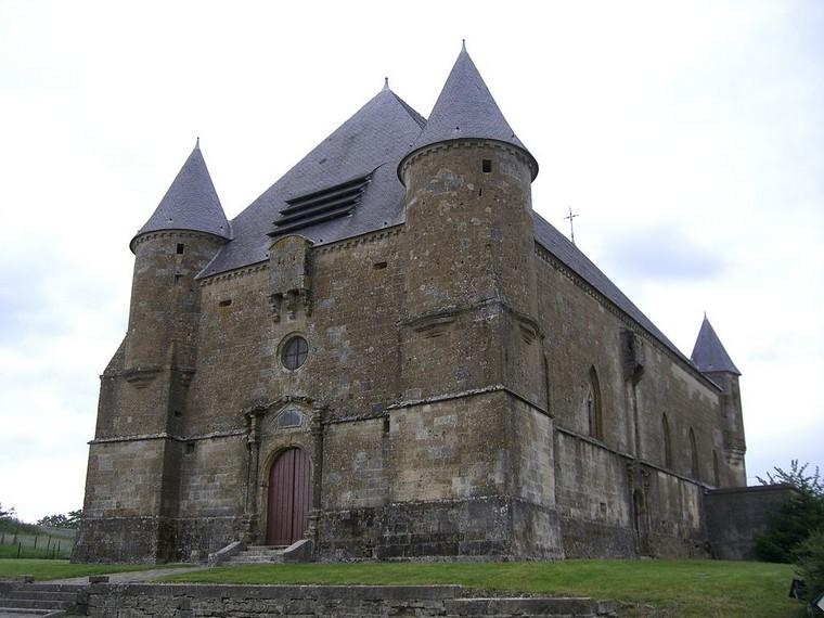 Architecture religieuse et militaire : Eglises fortifiées 000_0397