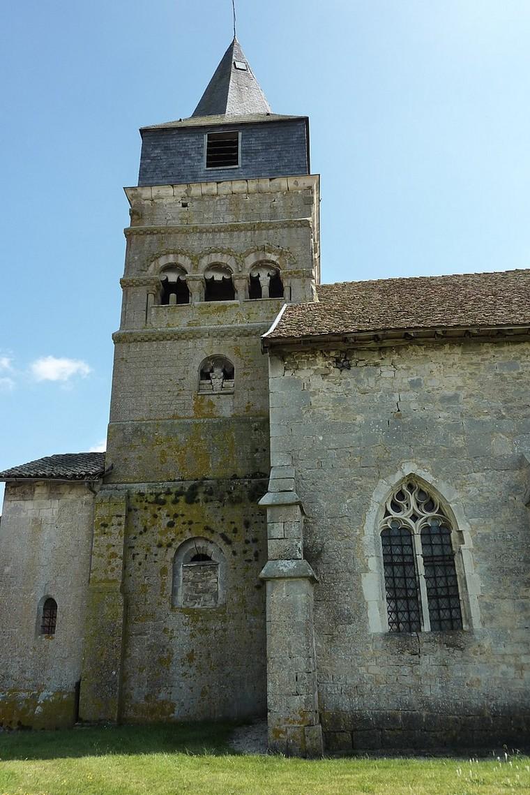 Architecture religieuse et militaire : Eglises fortifiées 000_0400
