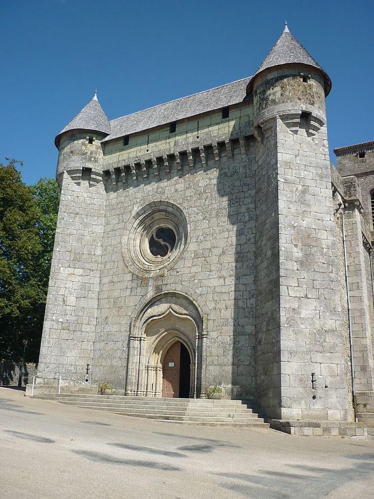 Architecture religieuse et militaire : Eglises fortifiées 000_0401
